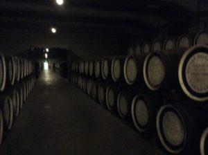 ウイスキー樽貯蔵庫